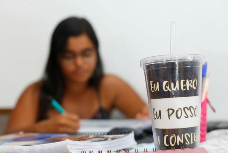 Em 2019, 704 mil alunos de 15 a 17 anos frequentavam a escola   Foto: Rafael Martins   Ag. A TARDE - Foto: Rafael Martins   Ag. A TARDE