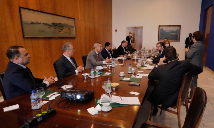 Ao fim da reunião do conselho, Mourão participou, com vários ministros, de uma entrevista coletiva - Foto: Romérico Cunha   VPR