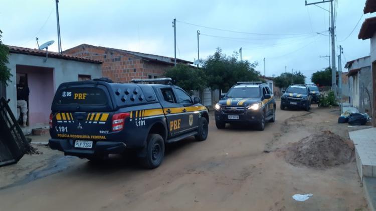 Objetivo da ação é desarticular organização criminosa voltada para o tráfico de drogas| Foto: Divulgação | PRF - Foto: Divulgação | PRF