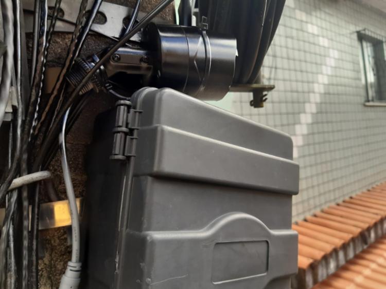 Além das câmeras, os militares apreenderam um aparelho de DVR e 26 trouxas de maconha | Foto: Divulgação | SSP-BA - Foto: Divulgação | SSP-BA