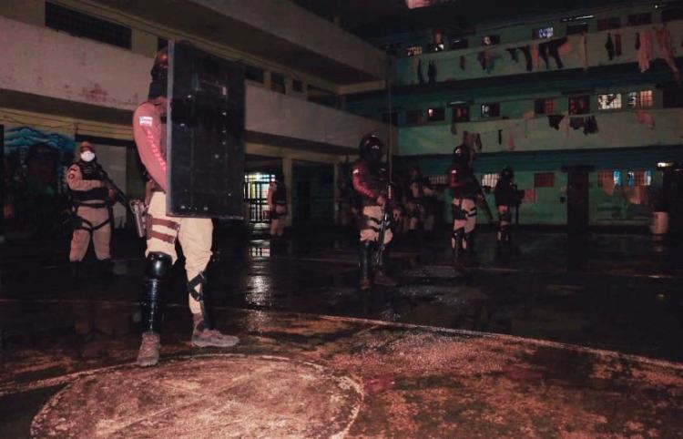 Na ação, materiais ilícitos foram encontrados em celas usadas por um detento, apontado como líder de uma facção   Foto: Divulgação   SSP-BA - Foto: Divulgação   SSP-BA