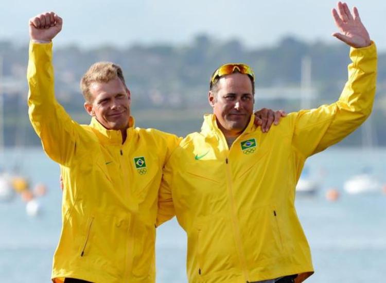 Bruno Prada (a direita) acredita que Brasil leve pelo menos um ouro nas olimpíadas - Foto: William West | AFP