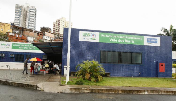 Vítima foi socorrida inicialmente para a UPA do bairro | Foto: Luciano da Matta | Ag. A TARDE - Foto: Luciano da Matta | Ag. A TARDE