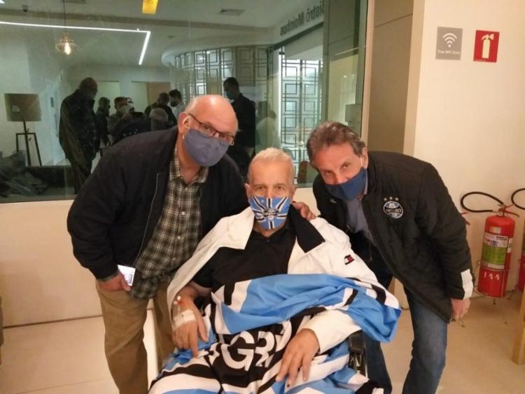 Bobsin chegou a ficar internado por mais de 100 dias por conta da doença   Foto: Divulgação   Arquivo Pessoal - Foto: Divulgação   Arquivo Pessoal