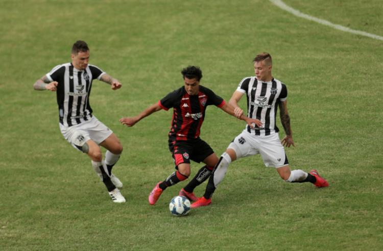 Partida foi realizada no Estádio de Pituaçu   Foto: Uendel Galter   Ag. A TARDE - Foto: Uendel Galter   Ag. A TARDE