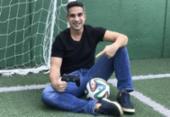 Gustavo Villani substitui Tiago Leifert na narração do Fifa 21 | Foto: Reprodução