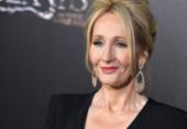 Acusada de transfobia, J.K. Rowling devolve prêmio | Foto: AFP