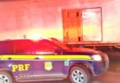 Grupo é preso transportando tênis falsificados | Divulgação | PRF