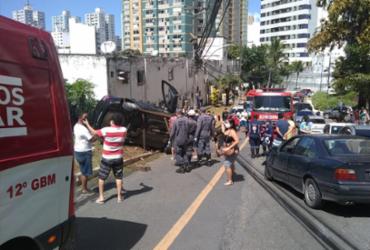 Três pessoas ficam feridas após colisão de veículos na Pituba | Divulgação | CBMBA