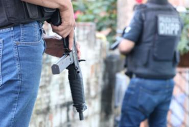 Dupla suspeita de envolvimento em pelo menos 12 assassinatos em Camaçari é presa