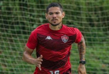 Léo Ceará é reintegrado ao plantel e fica a disposição para estreia na Série B   Letícia Martins   EC Vitória