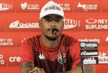 Possível titular, Mateusinho se diz pronto para duelo contra a Ponte Preta   Letícia Martins   EC Vitória