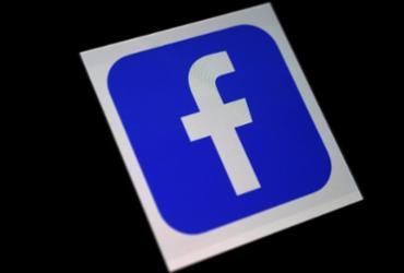 Facebook impõe limites a sites de notícias falsos criados por grupos políticos   Olivier Douliery   AFP
