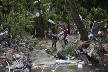 Furacão Isaías varre as Bahamas e segue rumo à Flórida   Erika Santelices   AFP