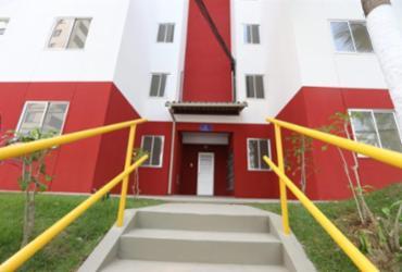 Governo entrega 70 imóveis para famílias de baixa renda no Costa Azul | Camila Souza | GOVBA