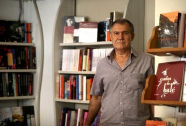 Livrarias baianas montam estratégias para combater taxação nos livros | Felipe Iruatã | Ag. A TARDE