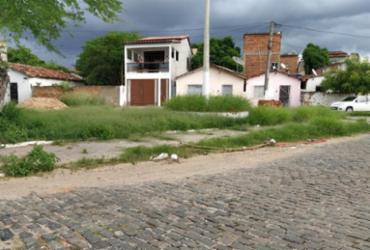 Moradores do Jequiezinho reclamam de esgoto a céu aberto e falta de limpeza pública