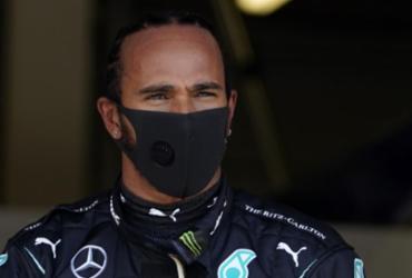 Lewis Hamilton conquista a pole no GP da Inglaterra de F1   Will Oliver   POOL   AFP