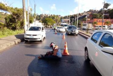 Óleo na pista provoca acidente e deixa duas pessoas feridas na Suburbana | Divulgação | Transalvador