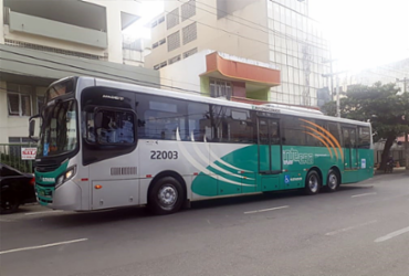 Ônibus passa por teste para operar no sistema BRT de Salvador