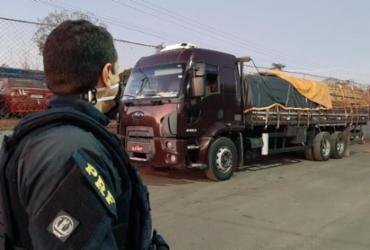 Carga de madeira nativa transportada ilegalmente é apreendida em Barreiras | Divulgação | PRF