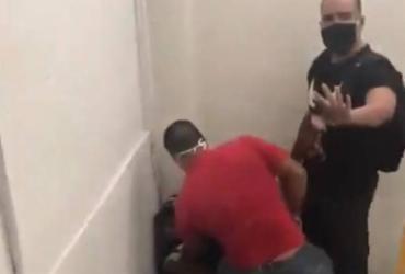 Jovem negro é acusado de roubo ao trocar presente e é agredido em shopping | Reprodução | Twitter