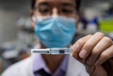 Universidade e hospital de Brasília iniciam teste de vacina contra Covid-19 | Nicolas Asfouri | AFP