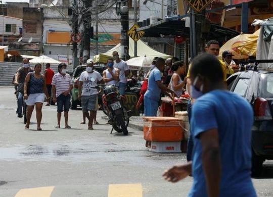 Testes detectam 253 pessoas com Covid-19 em bairros com restrições   Rafael Martins   Ag. A TARDE