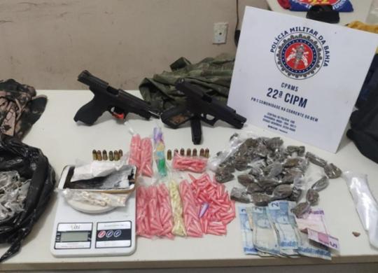 Suspeitos de tráfico fogem abandonando armas e drogas em Simões Filho   Divugação   SSP