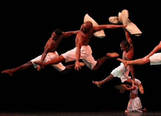 """""""Corremos risco de encerrar as atividades"""", diz fundador do Balé Folclórico da Bahia   Vinicius Lima   Divulgação"""