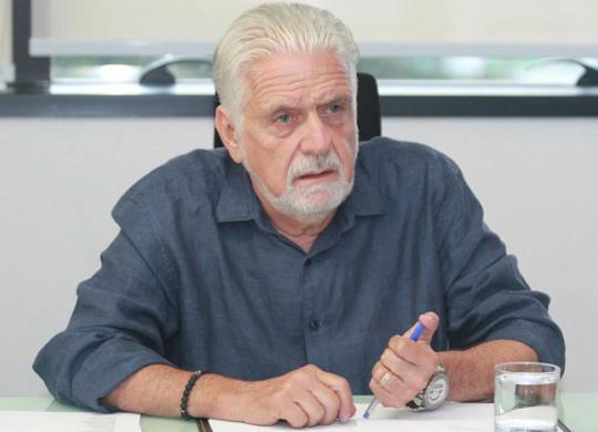 """""""Bolsonaro é uma liderança negacionista"""", diz Jaques Wagner   Tiago Caldas   Ag. A TARDE"""