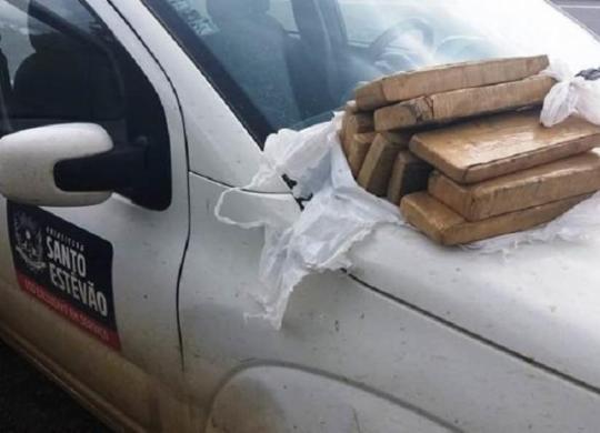 Servidor é flagrado transportando drogas em carro da prefeitura de Santo Estêvão | Divulgação