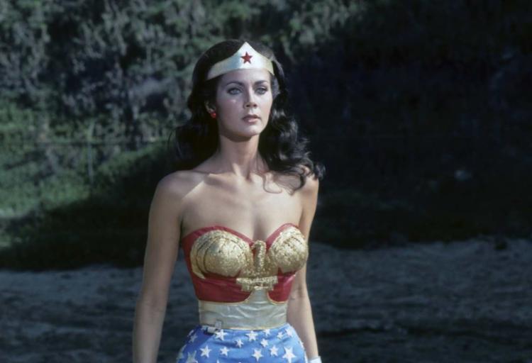 Lynda Cartes foi ovacionada por elenco de Mulher Maravilha 1984 | Foto: Divulgação