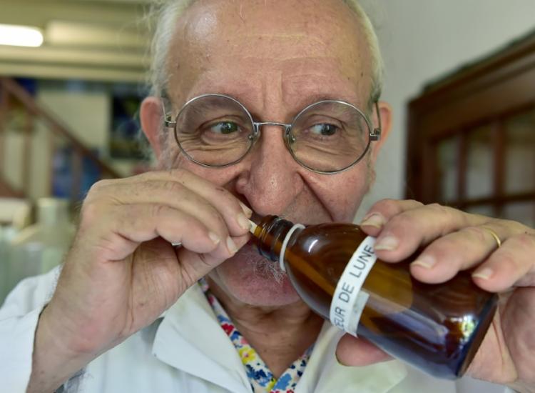 Michaël Moisseeff dedicou sua vida a desvendar os mistérios do olfato | Foto: Georges Gobet | AFP - Foto: Georges Gobet | AFP