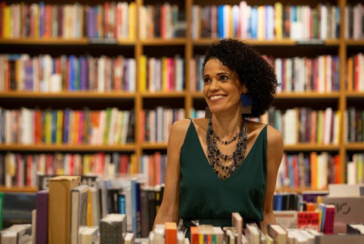 Autora mergulha nas memórias para construir narrativa que dialoga com excluídos | Foto: Monica Ramalho | Divulgação - Foto: Monica Ramalho | Divulgação