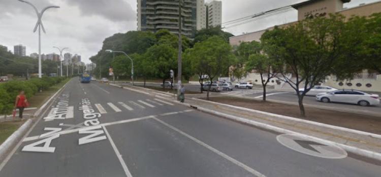 Trecho passará por uma obra de pavimentação devido a um buraco   Foto: Reprodução   Google Maps - Foto: Reprodução   Google Maps