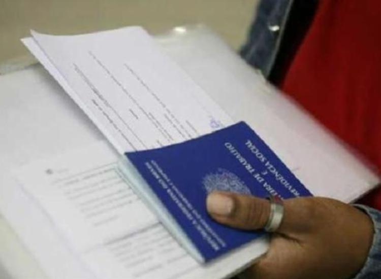 Número representa uma queda de -5,2% de pessoas empregadas no estado - Foto: Arquivo   Ag. A TARDE