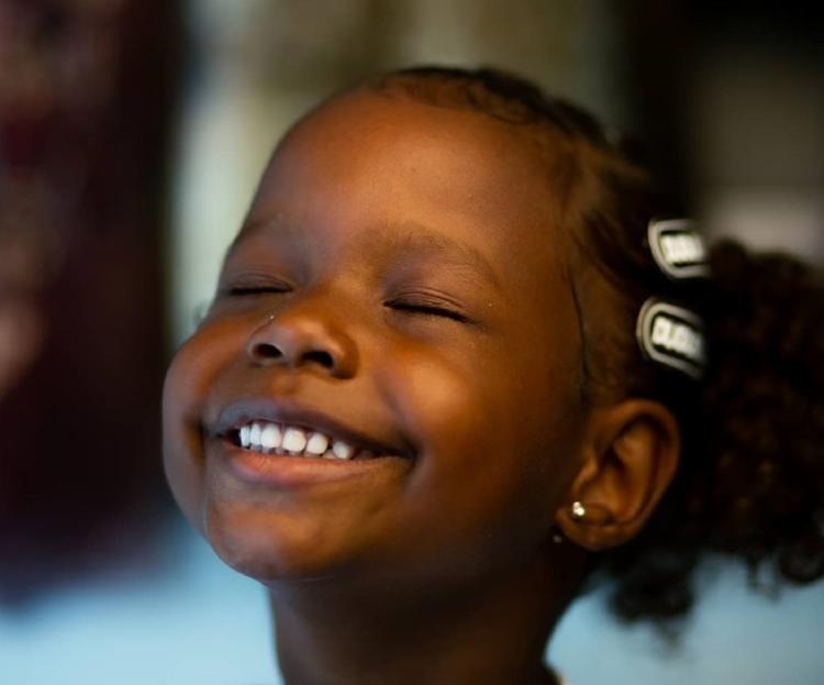 Campanha surgiu dessa falta de representatividade para crianças negras de periferia | Foto: Renan Benedito | Divulgação