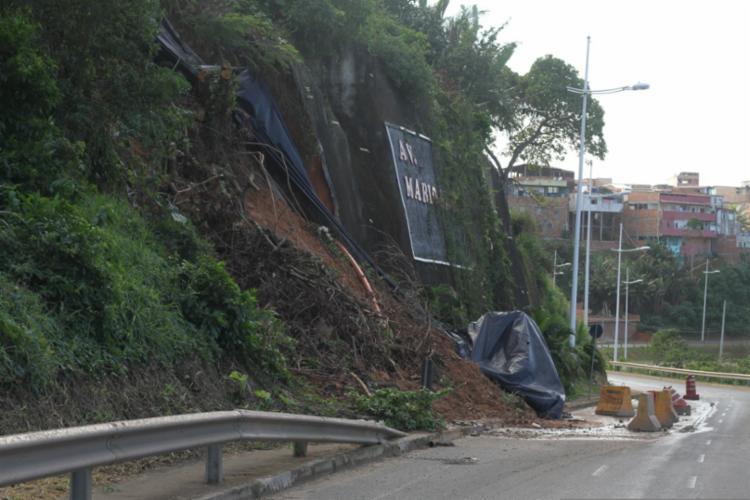 No mês passado, já ocorreu o deslizamento de uma parte da encosta   Foto: Divulgação   EC Vitória - Foto: Divulgação   EC Vitória