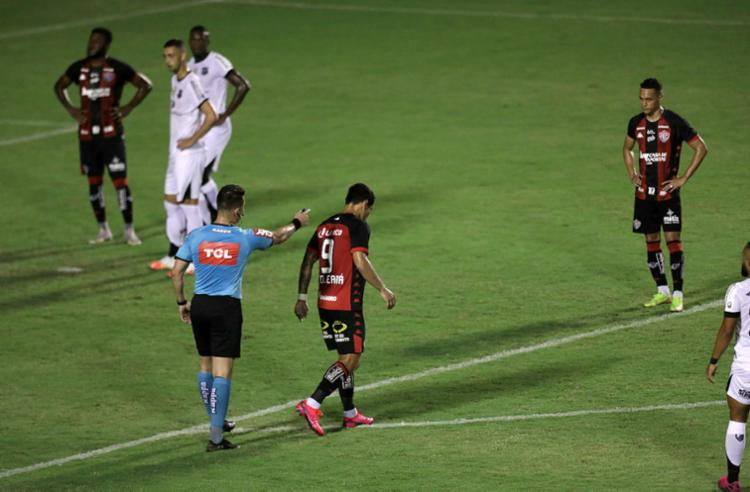 O Rubro-Negro agora tem apenas a Série B do Brasileiro pela frente   Foto: Uendel Galter   Ag. A TARDE - Foto: Uendel Galter   Ag. A TARDE
