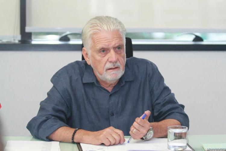 Senador cobra por respostas imediatas para que os trâmites sejam esclarecidos o quanto antes | Foto: Tiago Caldas | Ag. A TARDE - Foto: Tiago Caldas | Ag. A TARDE