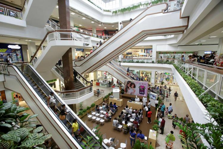 Algumas lojas do Shopping Piedade fecharam as portas | Foto: Adilton Venegeroles | Ag. A TARDE - Foto: Adilton Venegeroles | Ag. A TARDE