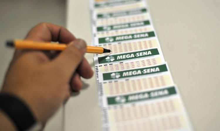 96 apostadores acertaram a quina; outros 4.532 acertaram a quadra   Foto: Marcello Casal jr   Agência Brasil - Foto: Marcello Casal jr   Agência Brasil