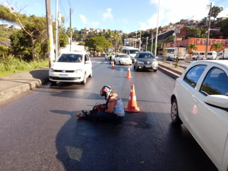 Acidente foi na altura do bairro do São João do Cabrito | Foto: Divulgação | Transalvador - Foto: Divulgação | Transalvador