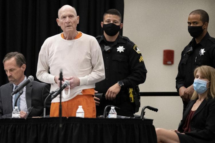 Joseph DeAngelo confessou ter cometido 13 homicídios e 50 estupros na Califórnia nas décadas de 1970 e 1980 | Foto: Santiago Mejia | AFP - Foto: Santiago Mejia | AFP