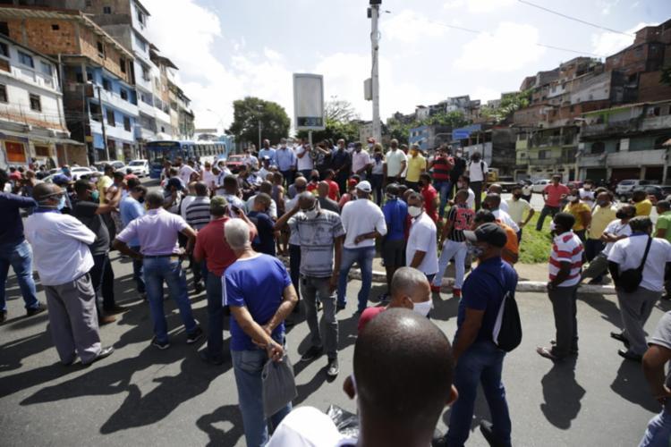 Protesto foi convocado pelo sindicato da categoria | Foto: Adilton Venegeroles | Ag. A TARDE