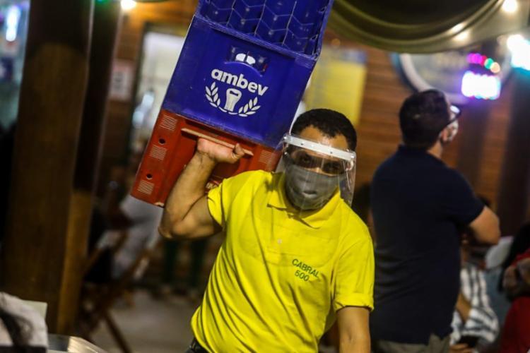 Prefeitura de Salvador ampliou o horário de funcionamento de bares e restaurantes até as 2h   Foto: Felipe Iruatã   Ag. A TARDE - Foto: Felipe Iruatã   Ag. A TARDE