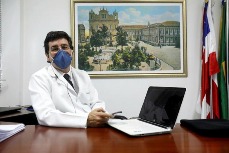 Júlio Braga, vice-presidente do Conselho Regional de Medicina e membro do Conselho Federal | Foto: Felipe Iruatã | Ag. A TARDE - Foto: Felipe Iruatã | Ag. A TARDE
