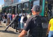 Cerca de 40 ônibus são abordados durante operação   Divulgação   Ascom-PC