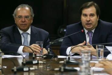 Guedes está desequilibrado, diz Maia ao ser acusado de travar privatização | José Cruz | Agência Brasil